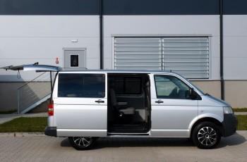 Volkswagen Caravelle / 2.5TDi 130KM / Klima / Webasto / Parktronik / 7 osób / ZADBANY