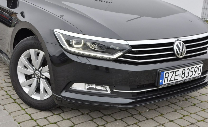 Volkswagen Passat 2.0 TDI 150KM Comfortline DSG Serwis ASO zdjęcie 2