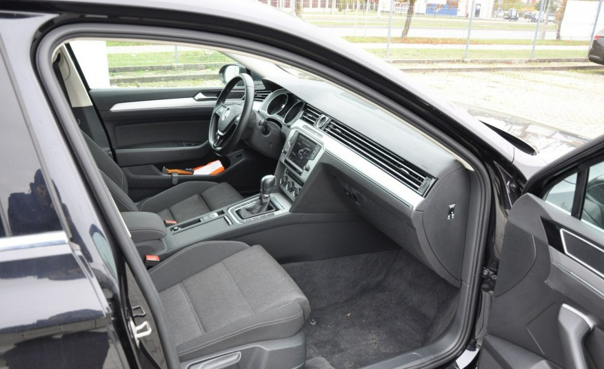 Volkswagen Passat 2.0 TDI 150KM Comfortline DSG Serwis ASO zdjęcie 12