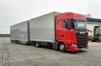 Scania Scania S450 2017 zamknięta laweta na 6 aut WIESE 215Tkm