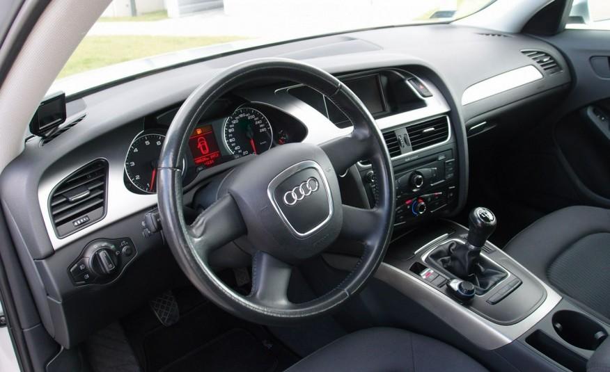 Audi A4 / 1.8T 160KM / Bezwypadkowy / Zarejestrowany / ROK GWARANCJI zdjęcie 19