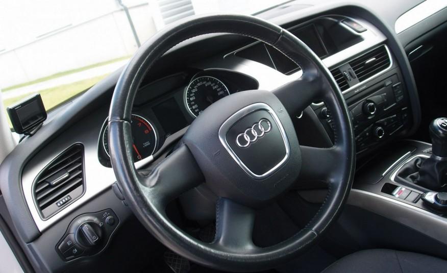 Audi A4 / 1.8T 160KM / Bezwypadkowy / Zarejestrowany / ROK GWARANCJI zdjęcie 25