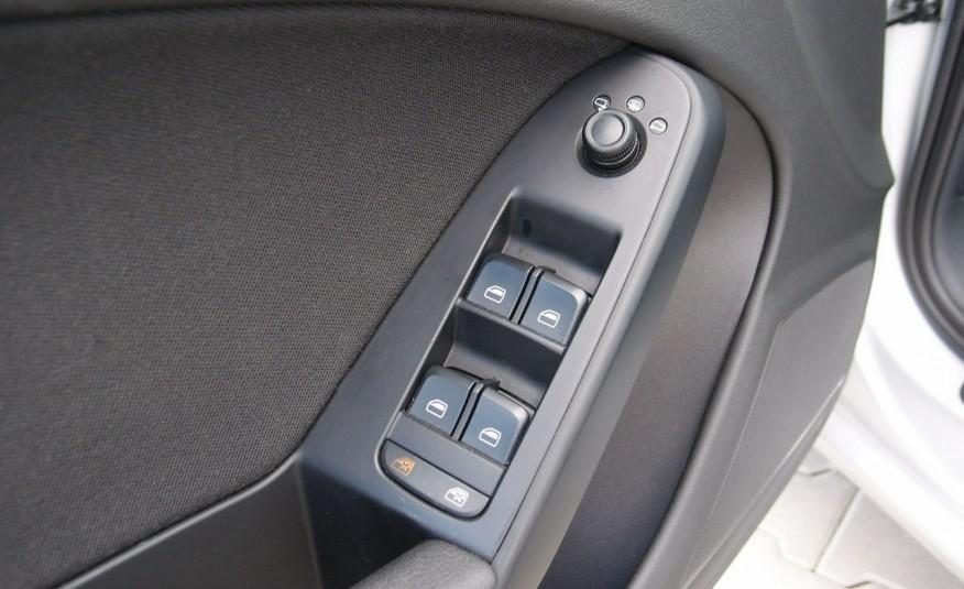 Audi A4 / 1.8T 160KM / Bezwypadkowy / Zarejestrowany / ROK GWARANCJI zdjęcie 31