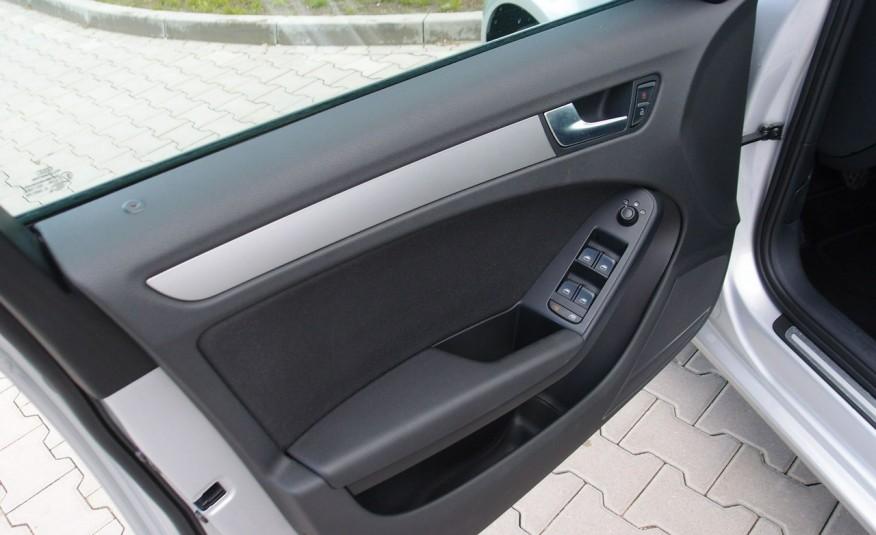 Audi A4 / 1.8T 160KM / Bezwypadkowy / Zarejestrowany / ROK GWARANCJI zdjęcie 32
