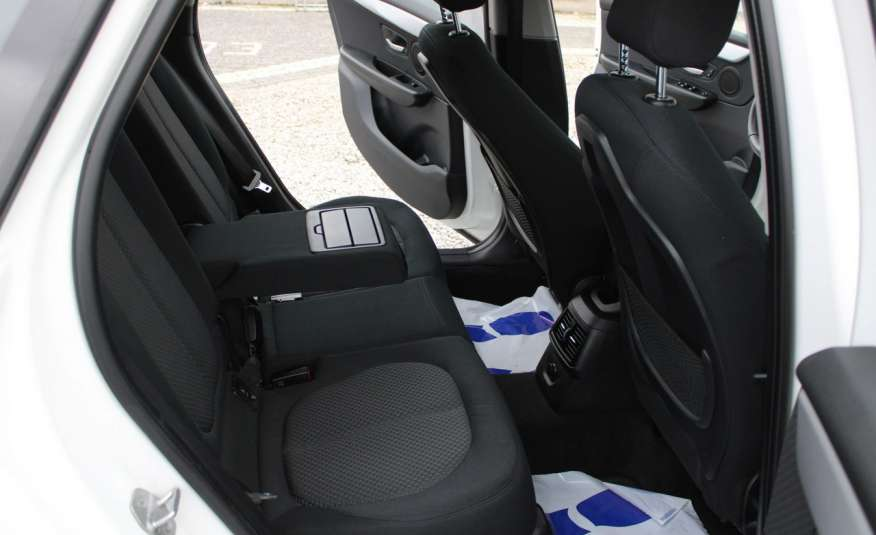 BMW 218 Salon, Gwarancja, Czujniki Park.el.klapa, automat, f-vat zdjęcie 30