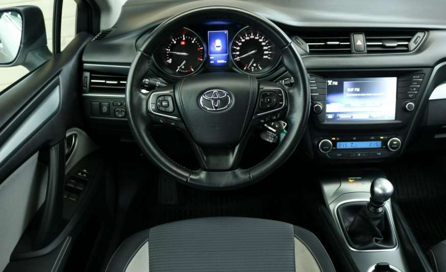 Toyota Avensis D-4D Premium +, fv VAT 23, salon PL, Gwarancja x 5 zdjęcie 5