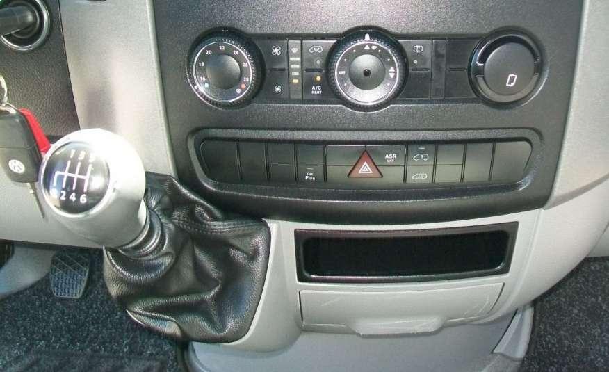 Volkswagen Crafter 2.0BITDI 164KM A/C 7 OS BLIŹNIAKI NA KAT B NAVIGACJA NR 58 zdjęcie 10