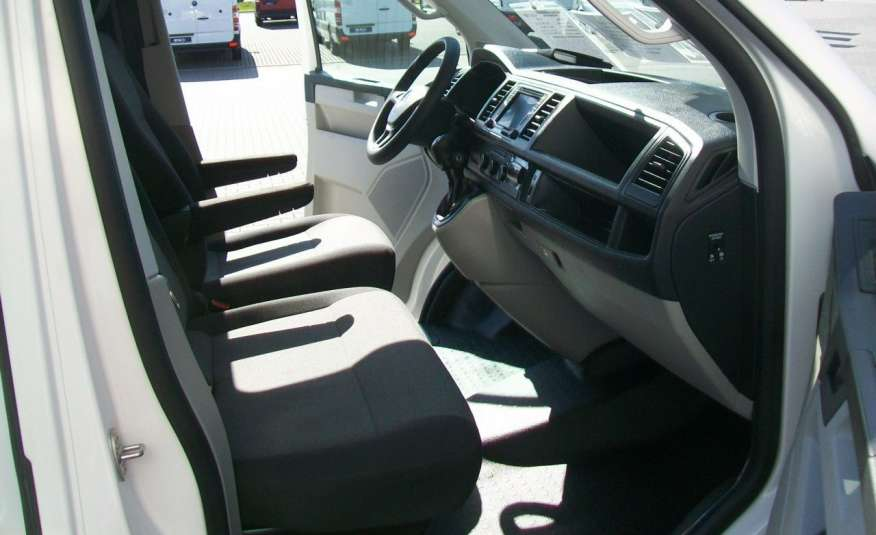 Volkswagen Transporter T6 2.0TDI 102KM CHŁODNIA NAVI DŁUGI MOD 16r NR 78 zdjęcie 9