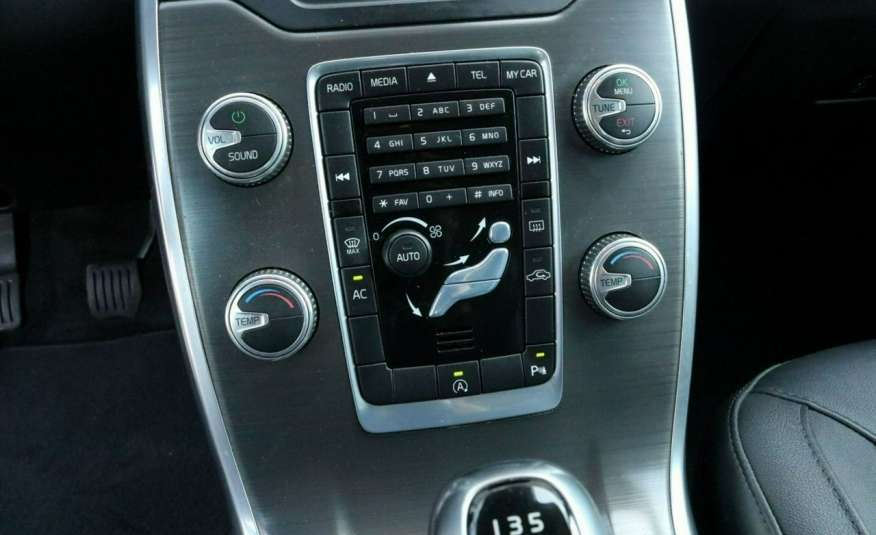 Volvo V70 D4 Drive-E Momentum +, salon PL, fv VAT 23, Gwarancja x5 zdjęcie 8
