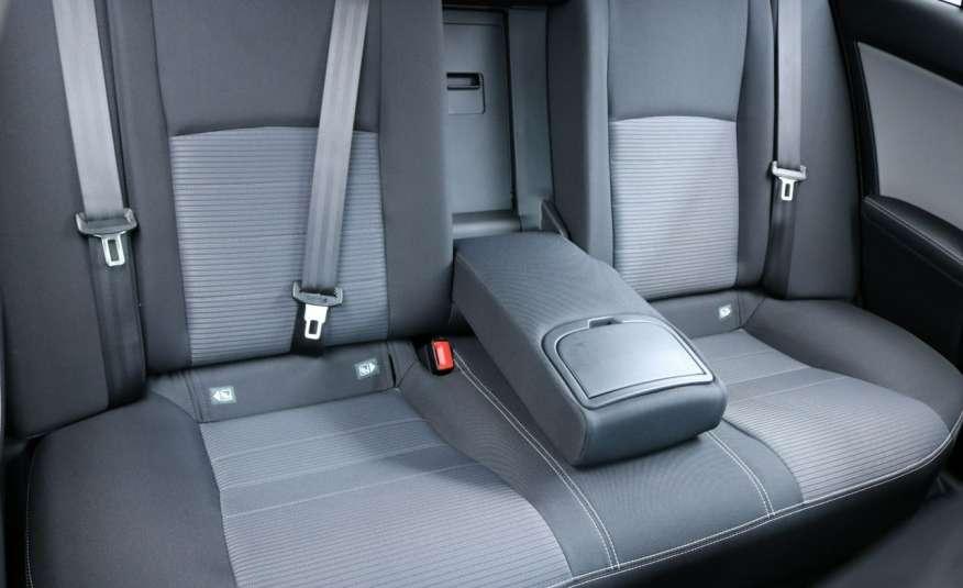 Toyota Avensis Premium, salon PL, fv VAT 23, Gwarancja x 5 zdjęcie 11