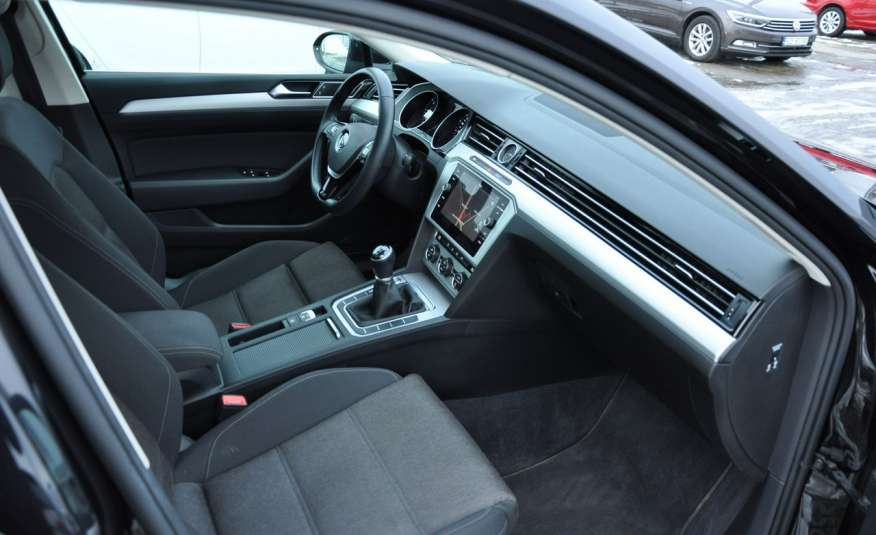 Volkswagen Passat 2.0 TDI 150KM Comfortline Polski Salon Serwis ASO FV 23% zdjęcie 13