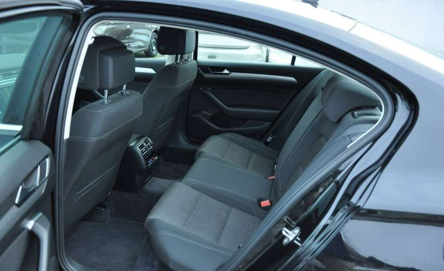 Volkswagen Passat 2.0 TDI 150KM Comfortline Polski Salon Serwis ASO FV 23% zdjęcie 26