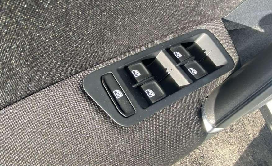 Volkswagen Golf Raty online, bez BIK i KRD 2.0tdi 150KM, R-LINE.47.321KM, Gwarancja zdjęcie 22