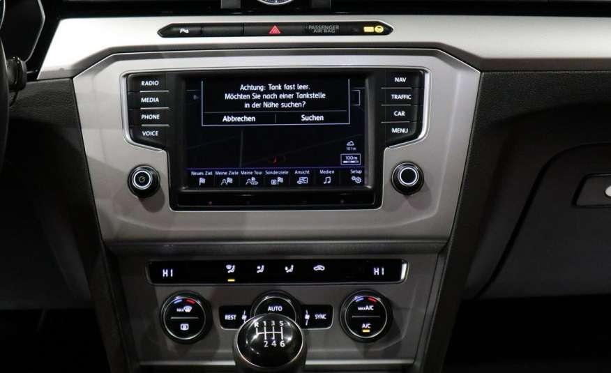 Volkswagen Passat PRZEPIĘKNY PASSAT | Pełny LED | 3xklima | Opłacony | Bardzo ładny zdjęcie 34