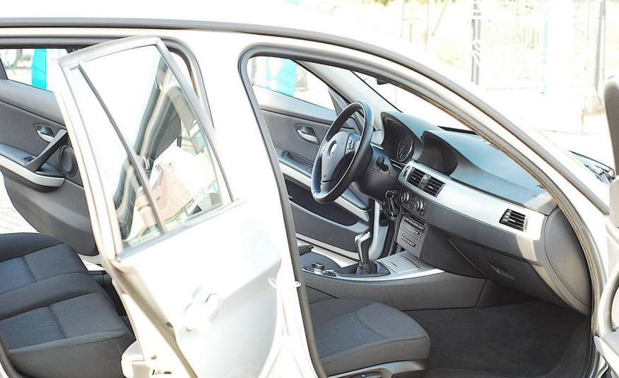BMW 320 Lifting 320d 177KM touring NAVI GPS Alu Webasto fabryczne Z Niemiec zdjęcie 13