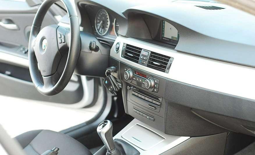 BMW 320 Lifting 320d 177KM touring NAVI GPS Alu Webasto fabryczne Z Niemiec zdjęcie 15
