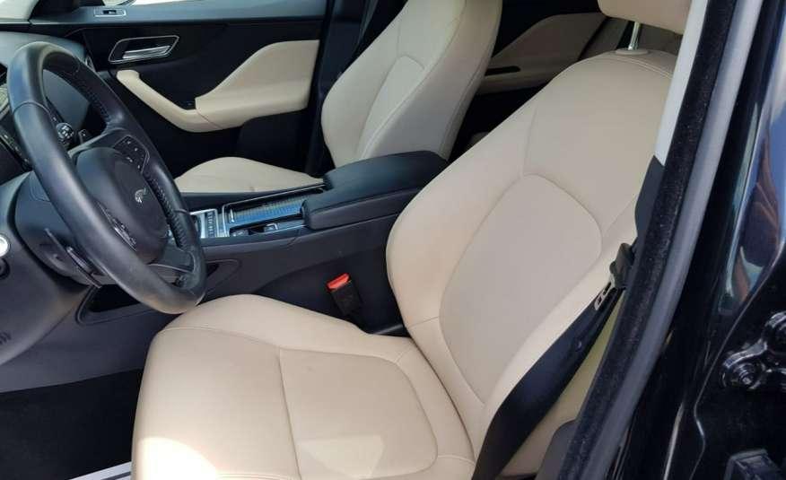 Jaguar F-Pace 25t 2.0 turbo 250KM, automat.4x4, skóry, kamera, panorama.1 rok gwarancji zdjęcie 9