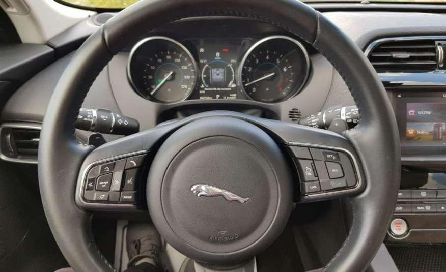 Jaguar F-Pace 25t 2.0 turbo 250KM, automat.4x4, skóry, kamera, panorama.1 rok gwarancji zdjęcie 11