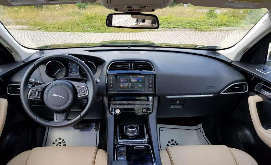 Jaguar F-Pace 25t 2.0 turbo 250KM, automat.4x4, skóry, kamera, panorama.1 rok gwarancji zdjęcie 16
