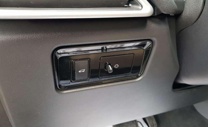 Jaguar F-Pace 25t 2.0 turbo 250KM, automat.4x4, skóry, kamera, panorama.1 rok gwarancji zdjęcie 21
