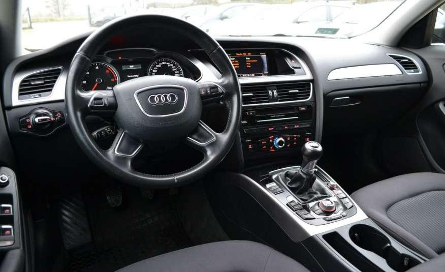 Audi A4 Alufelgi Pełny FiS Nawigacja Podgrz. fotele Climatronic Serwis Zarej zdjęcie 7