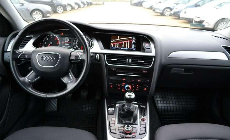 Audi A4 Alufelgi Pełny FiS Nawigacja Podgrz. fotele Climatronic Serwis Zarej zdjęcie 9