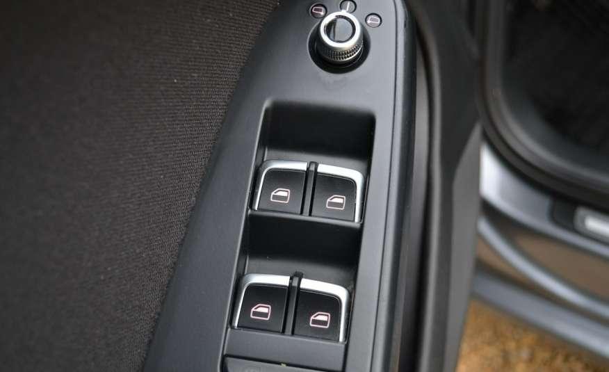 Audi A4 Alufelgi Pełny FiS Nawigacja Podgrz. fotele Climatronic Serwis Zarej zdjęcie 14