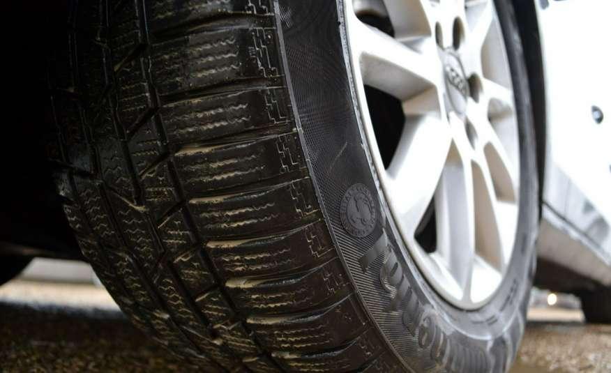 Audi A4 Alufelgi Pełny FiS Nawigacja Podgrz. fotele Climatronic Serwis Zarej zdjęcie 16