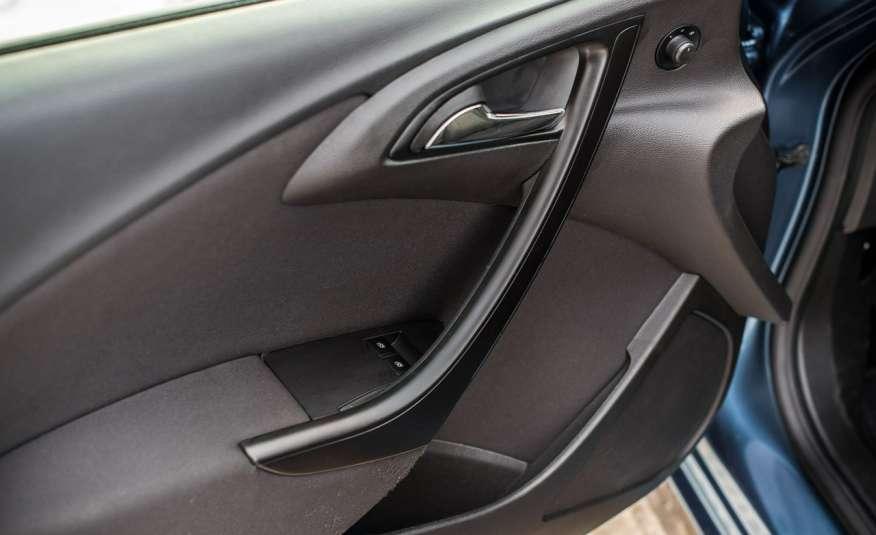 Opel Astra 1.7_Diesel_155 tys.km_LED_PDC zdjęcie 12