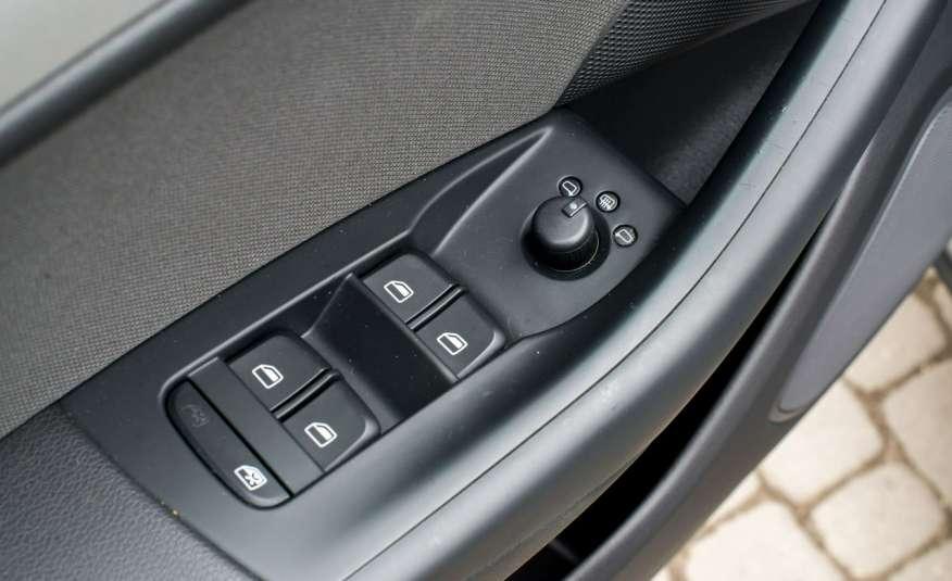 Audi Q3 2.0_Diesel_140KM_127 tys. km_Kamera_NAVI_PDC_HAK_Zarejestrowany zdjęcie 9