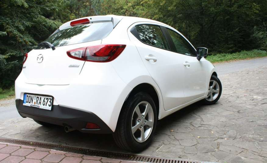 Mazda 2 1.5_Benzyna_132 tys. km_alu_klima_komplet kół zdjęcie 4