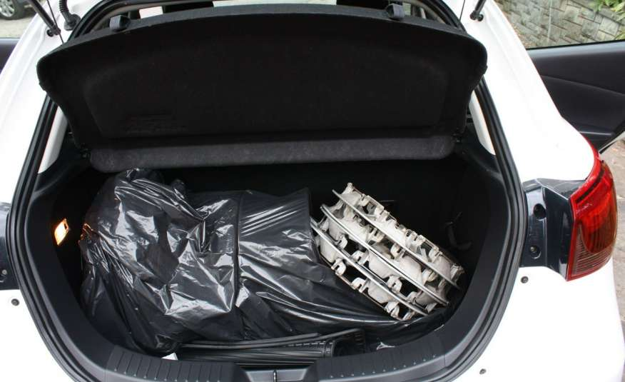 Mazda 2 1.5_Benzyna_132 tys. km_alu_klima_komplet kół zdjęcie 11