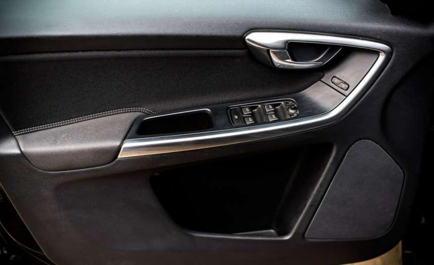 Volvo XC 60 2.4_D5_4x4_215KM_161 tyś. km_LED_NAVI_PDC_HAK_GWARANCJA zdjęcie 13