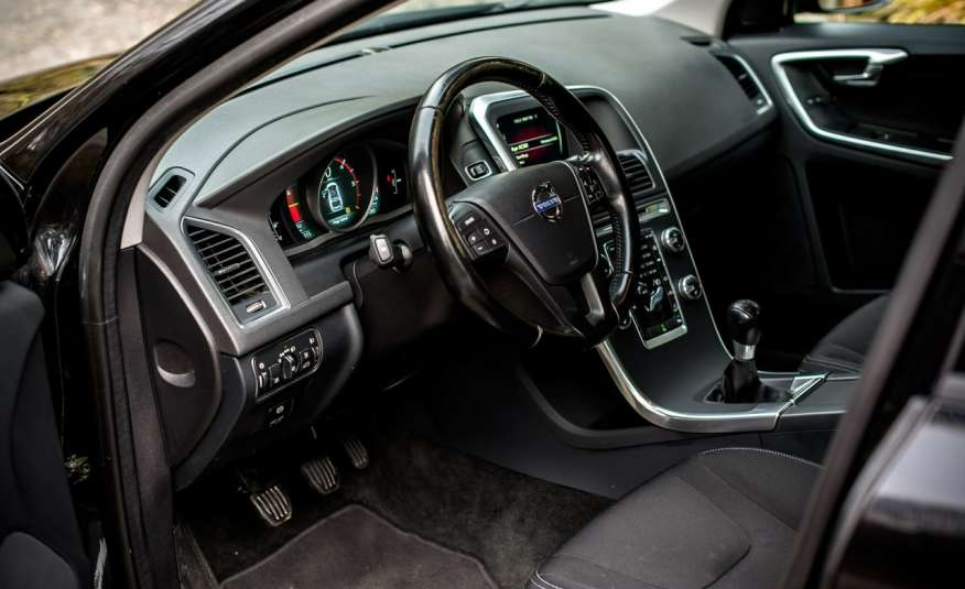 Volvo XC 60 2.4_D5_4x4_215KM_161 tyś. km_LED_NAVI_PDC_HAK_GWARANCJA zdjęcie 14