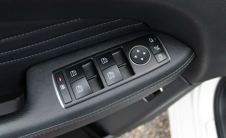 Mercedes GLE 250 Salon, Automat, skora, panoramadach, czujniki LED.4matic zdjęcie 33