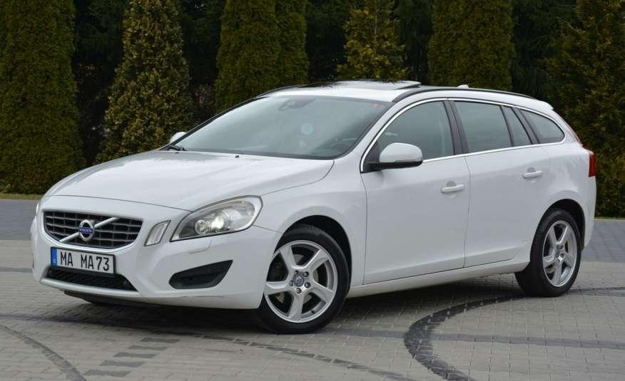 Volvo V60 2.0d(163KM) Biała Perła Xenon Led Skóry Navi Parkt. ASO zdjęcie 3