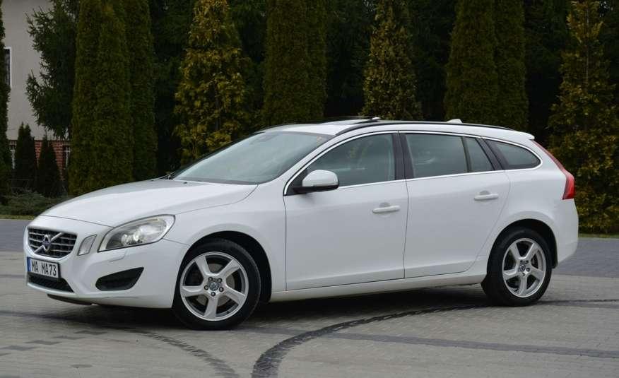 Volvo V60 2.0d(163KM) Biała Perła Xenon Led Skóry Navi Parkt. ASO zdjęcie 4