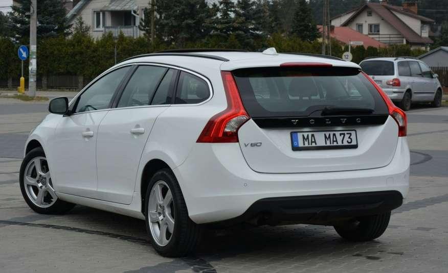 Volvo V60 2.0d(163KM) Biała Perła Xenon Led Skóry Navi Parkt. ASO zdjęcie 6