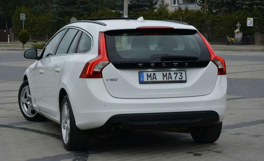 Volvo V60 2.0d(163KM) Biała Perła Xenon Led Skóry Navi Parkt. ASO zdjęcie 7