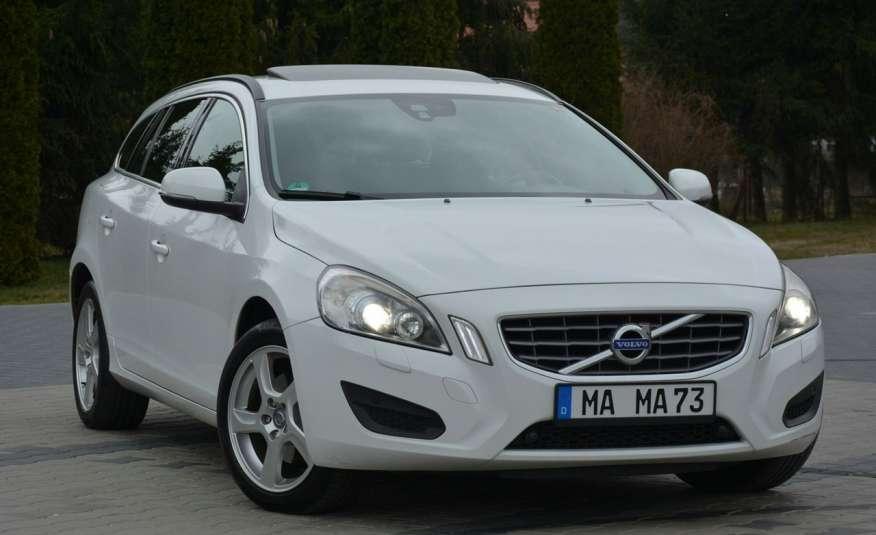 Volvo V60 2.0d(163KM) Biała Perła Xenon Led Skóry Navi Parkt. ASO zdjęcie 8
