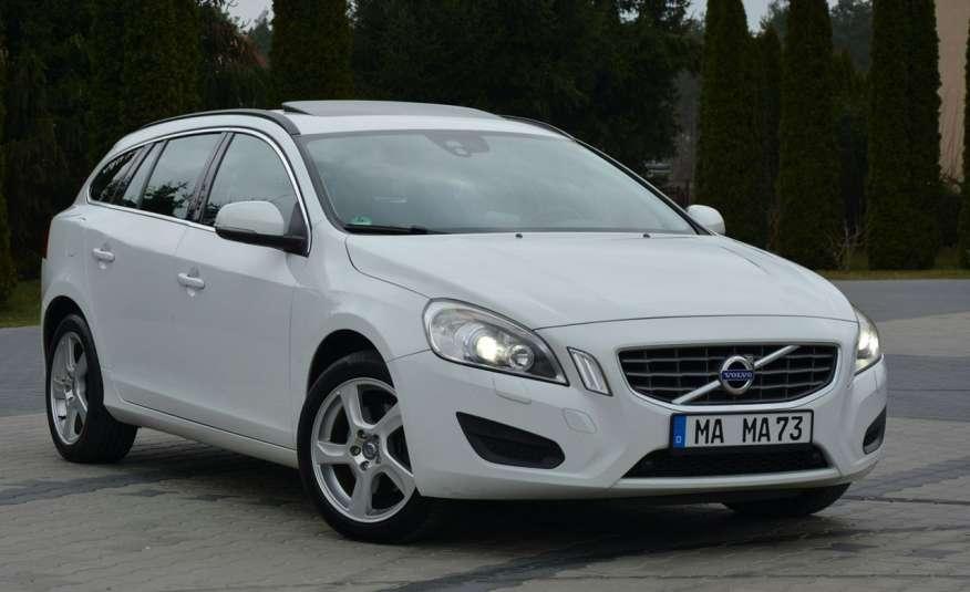 Volvo V60 2.0d(163KM) Biała Perła Xenon Led Skóry Navi Parkt. ASO zdjęcie 9
