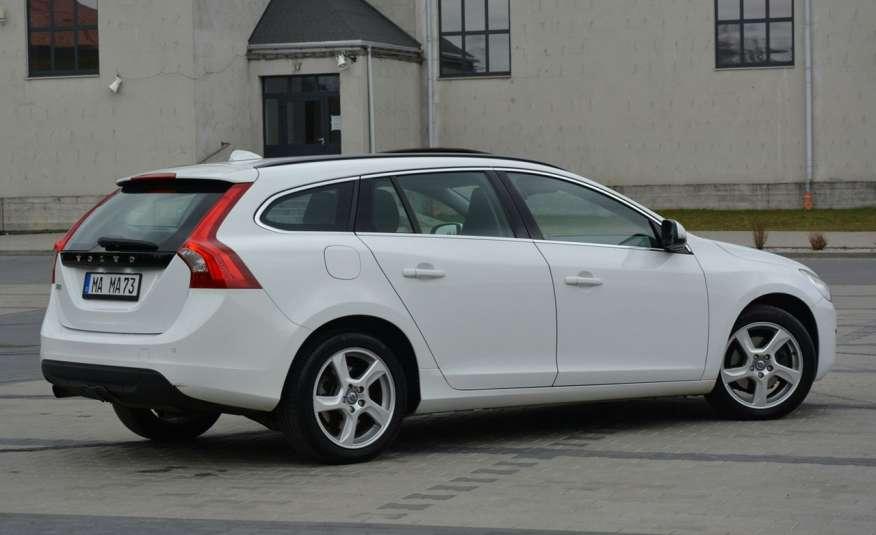Volvo V60 2.0d(163KM) Biała Perła Xenon Led Skóry Navi Parkt. ASO zdjęcie 13