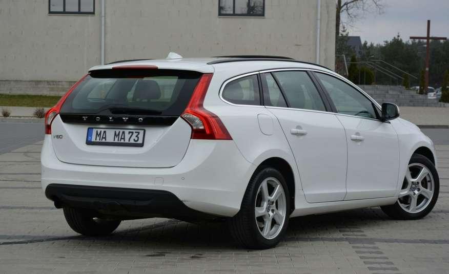 Volvo V60 2.0d(163KM) Biała Perła Xenon Led Skóry Navi Parkt. ASO zdjęcie 14