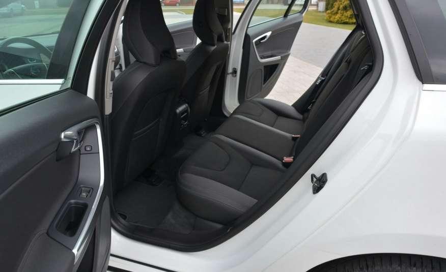 Volvo V60 2.0d(163KM) Biała Perła Xenon Led Skóry Navi Parkt. ASO zdjęcie 20