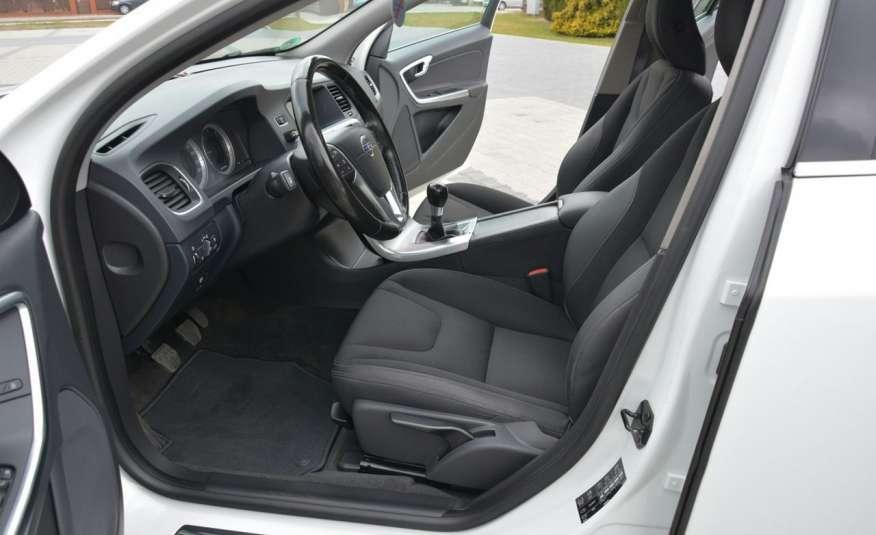 Volvo V60 2.0d(163KM) Biała Perła Xenon Led Skóry Navi Parkt. ASO zdjęcie 21
