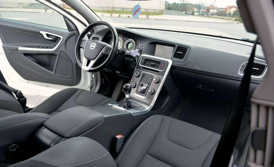 Volvo V60 2.0d(163KM) Biała Perła Xenon Led Skóry Navi Parkt. ASO zdjęcie 24