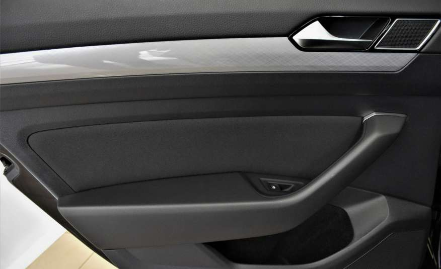 Volkswagen Passat SalonPl, Vat23%, Biznes, DSG, Przebieg , Navi, Czujnik parkowania, lift 4x2 zdjęcie 31