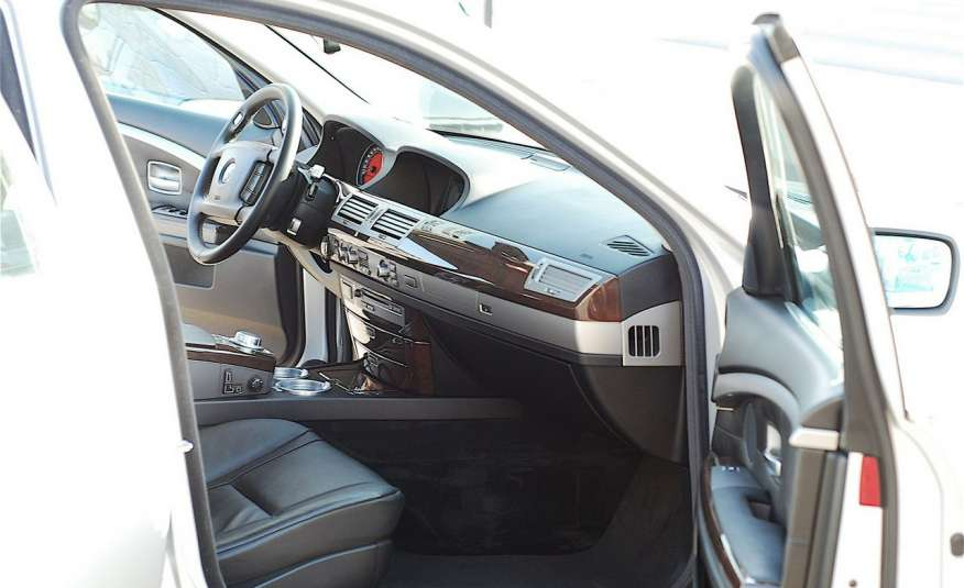 BMW 730 730d Lifting 211KM Bi Xenon Alu 20 Komfort Sitze Duża NAVI Z Niemiec zdjęcie 18