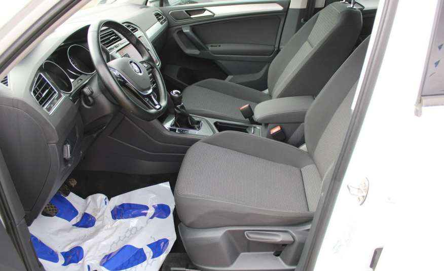 Volkswagen Tiguan F-Vat, Gwarancja, Salon Polska, Klimatronik, Czujnki Parkowania zdjęcie 16