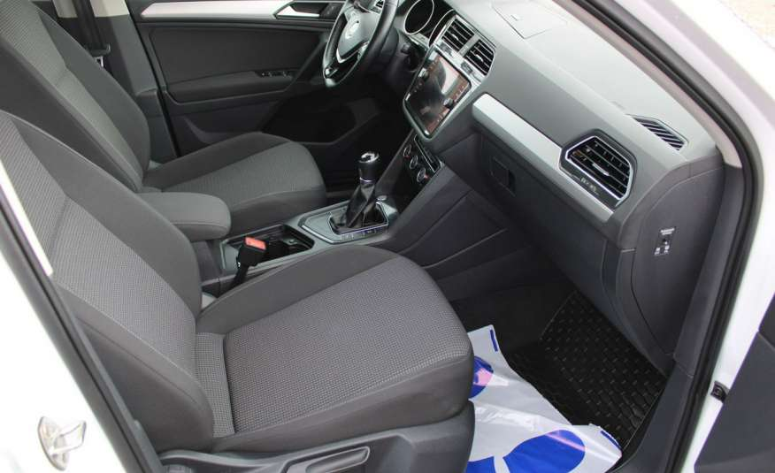 Volkswagen Tiguan F-Vat, Gwarancja, Salon Polska, Klimatronik, Czujnki Parkowania zdjęcie 20